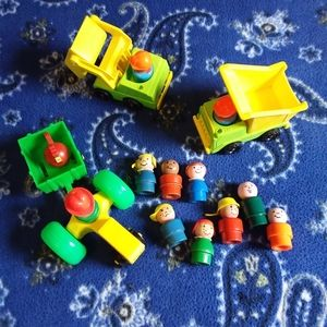 Bundle of Fisher Price toys & people